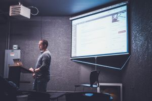 Pros and Cons of Using Presentation Software